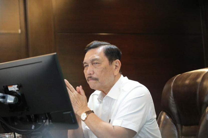 Menko Marinves sekaligus Koordinator PPKM Jawa-Bali  Luhut Binsar Pandjaitan.