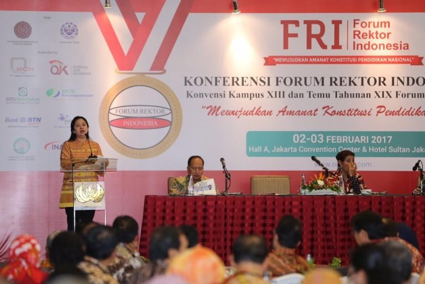 Menko PMK mengungkapkan bahwa Rancangan Rencana Induk Riset Nasional (R.I.R.N) 2015-2045 telah disusun hingga tahapan akhir.