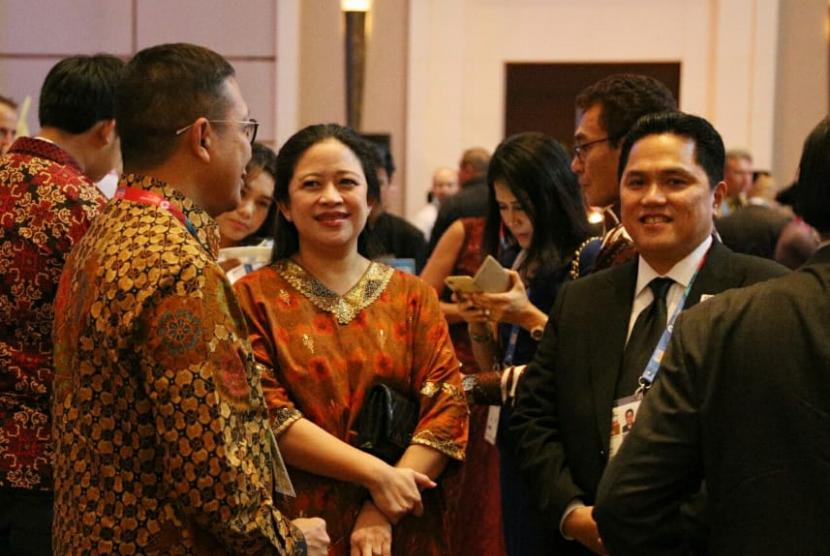 Menko PMK Puan Maharani bersama Ketua INASGOC Erick Thohir.