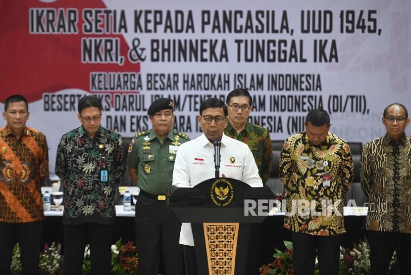 Menko Polhukam Wiranto memberikan arahan dalam acara pengucapan ikrar setia kepada Pancasila, UUD 45, NKRI dan Bhineka Tunggal Ika di Jakarta, Selasa (13/08/2019).