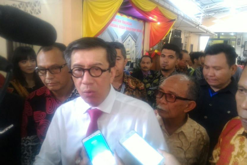 Menkumham Yasonna Laoly menilai RUU Antiterorisme mendesak untuk diwujudkan, terlebih pascainsiden pengeboman sejumlah gereja di Surabaya pagi tadi.