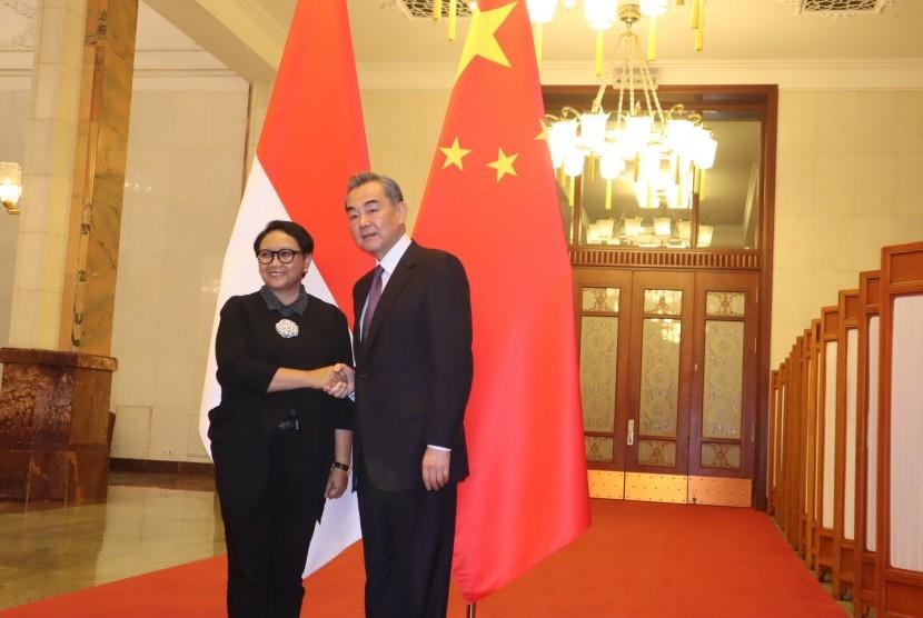 Menlu Retno LP Marsudi (kiri) diterima Menteri Luar Negeri Cina Wang Yi, di Balai Agung Rakyat, Beijing, Rabu (24/4/2019) pagi.