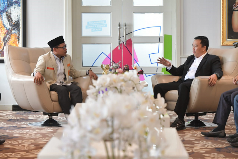 Menpora Imam Nahrawi menerima Pimpinan Pusat Pemuda Muhammadiyah Sunanto, di Ruang Kerja Lantai 10 Graha Pemuda, Senayan, Jakarta Pusat, Rabu (12/6) siang.
