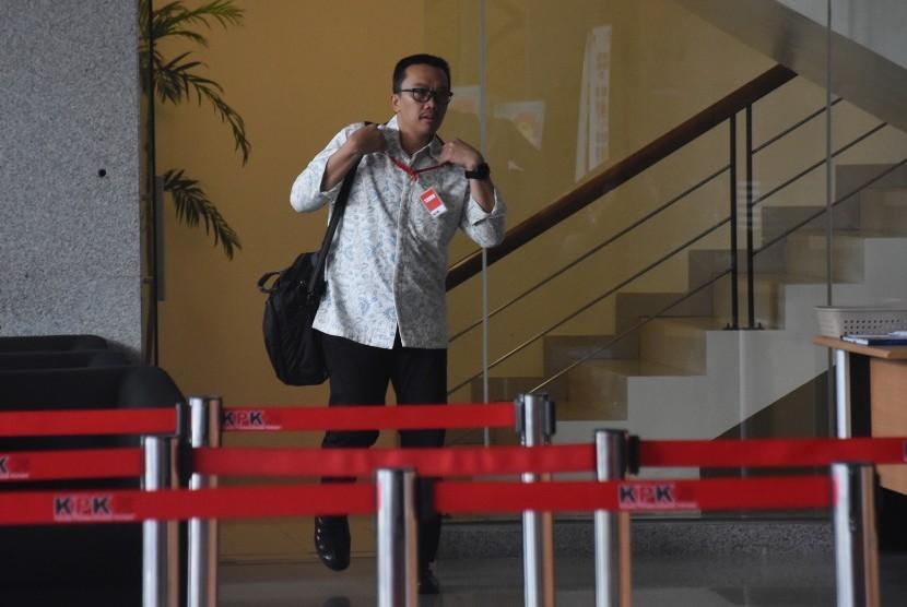 Menpora Imam Nahrawi meninggalkan Gedung KPK seusai menjalani pemeriksaan di Jakarta, Kamis (24/1/2019).
