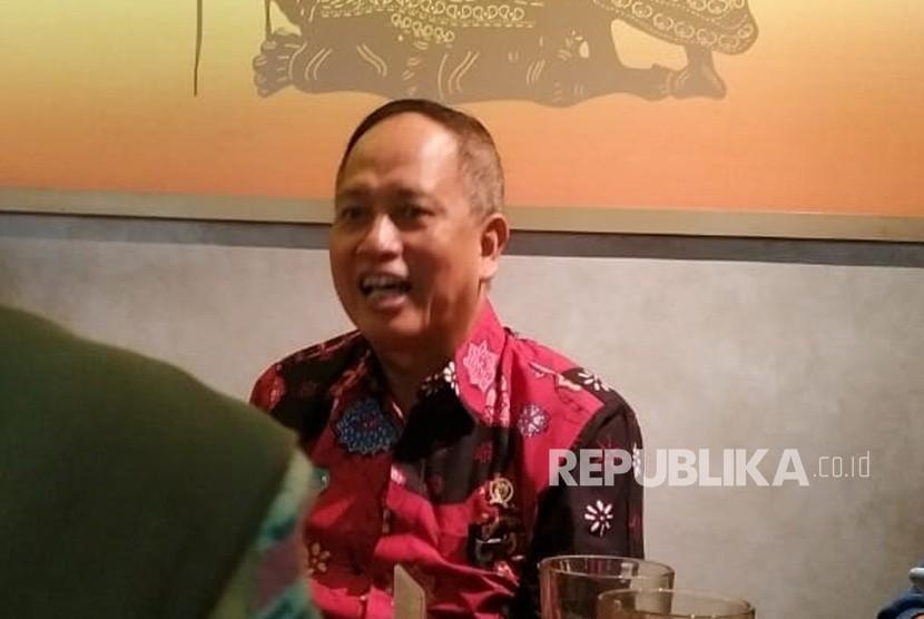 Menristek Dikti Mohamad Nasir saat berbincang dengan wartawan di Jakarta,  Selasa (30/7).