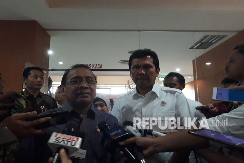 Menpan-RB Asman Abnur bersama Mensesneg Pratikno.