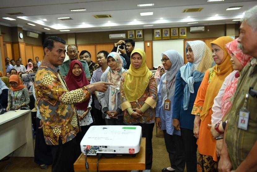 Mentan Andi Amran Sulaiman melaksanakan sidak ke kantor Ditjen Hortikultura