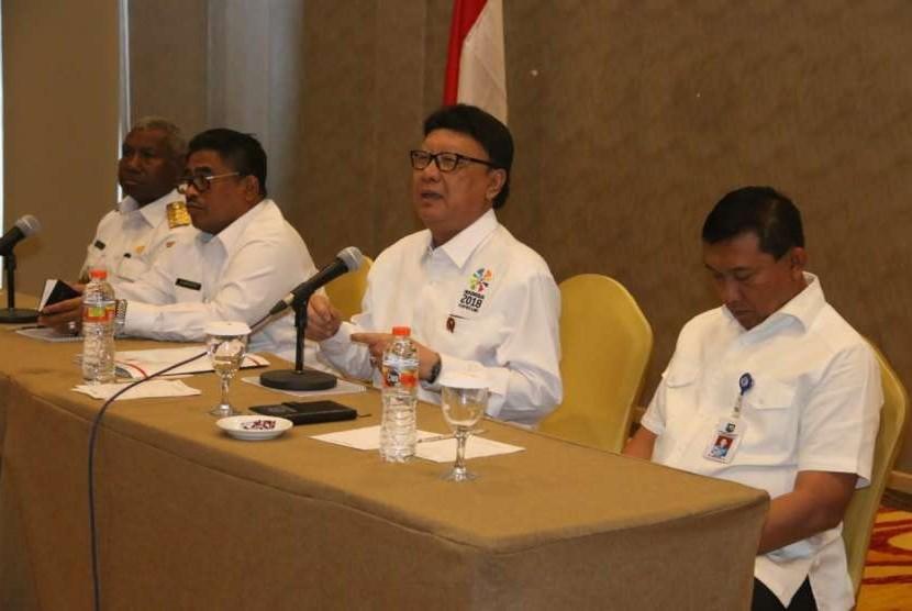 Menteri Dalam Negeri  (Mendagri) Tjahjo Kumolo akan menghadiri acara perdamaian adat masyarakat Maybrat