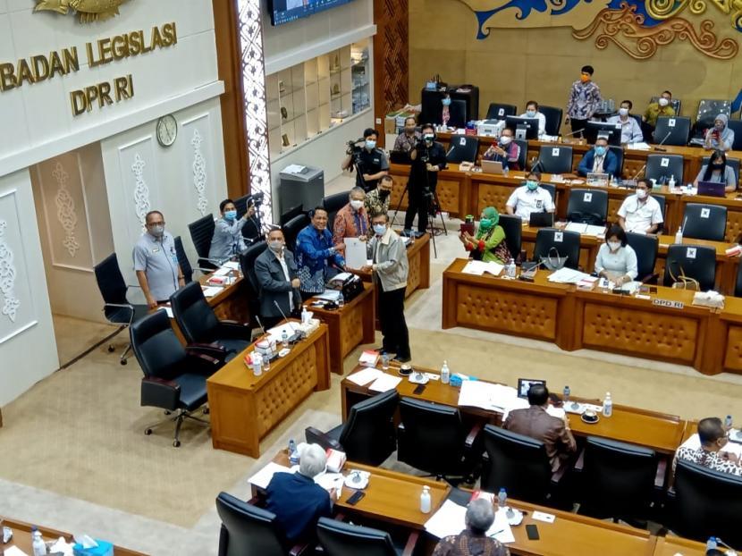 Formappi Nilai Perencanaan Legislasi DPR Buruk