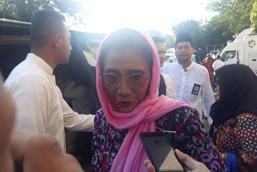 Menteri Kelautan dan Perikanan,  Susi Pudjiastuti usai melaksanakan shalat Idul Fitri 1440 Hijriah di Masjid Istiqlal, Jakarta, Rabu (5/6).
