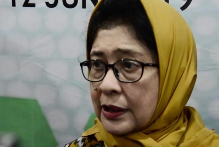 Menteri Kesehatan, Nilla F Moeloek
