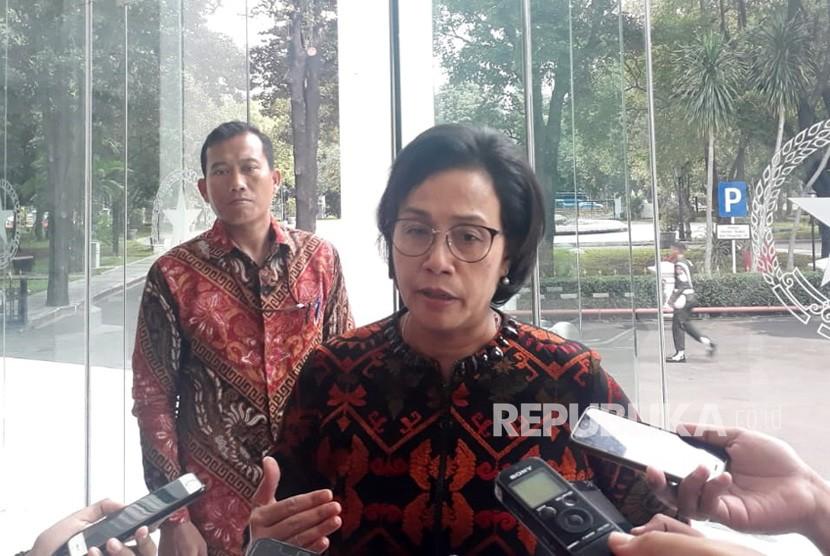 Menteri Keuangan Sri Mulyani usai menghadap Wakil Presiden Jusuf Kalla (JK), di Kantor Wakil Prsiden, Jakarta, Kamis (24/1).