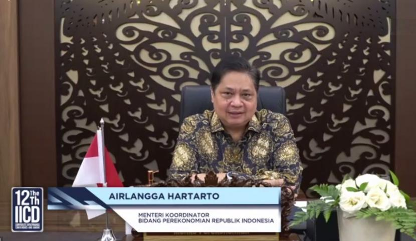 Menteri Koordinator bidang Perekonomian, Airlangga Hartarto, menyatakan Pemerintah melakukan pengetatan dan percepatan Program Vaksinasi