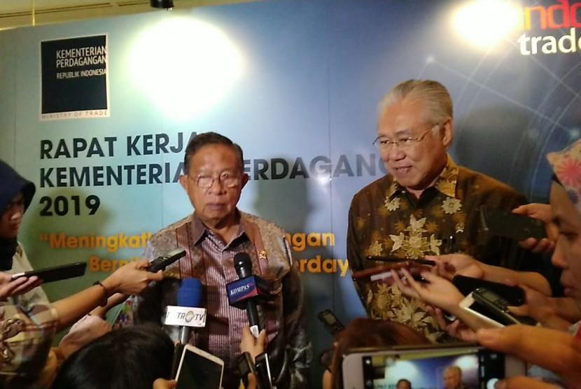 Menteri Koordinator Bidang Perekonomian, Darmin Nasution memberikan paparan kepada seluruh jajaran Kementerian Perdagangan se Indonesia dalam rangka Indonesia Trade Forum 2019 di Hotel Shangrila, Selasa (12/3).