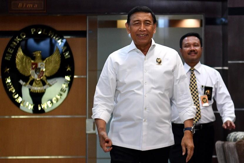 Menteri Koordinator Politik, Hukum, dan Keamanan Wiranto.
