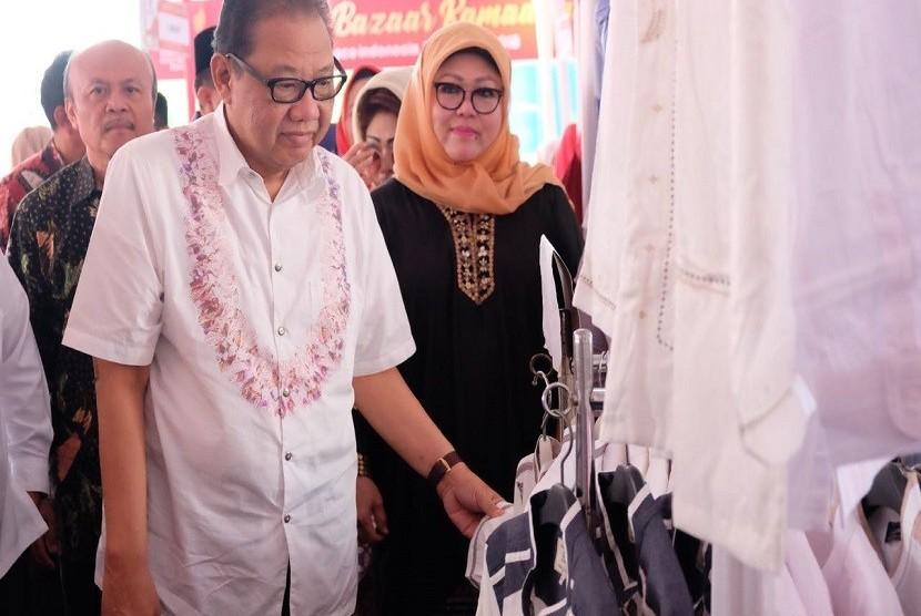 Menteri Koperasi dan UKM AAGN Puspayoga membuka acara Bazaar Murah Smesco Indonesia