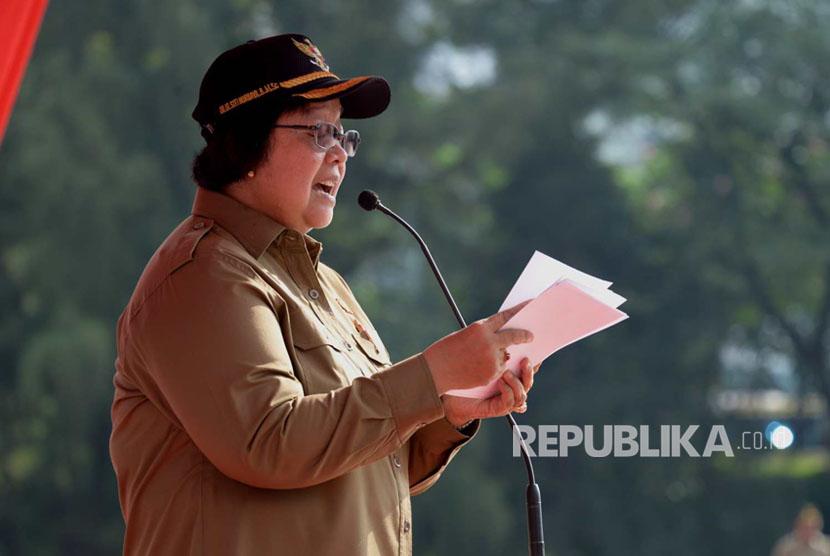 Menteri Lingkungan Hidup dan Kehutanan (LHK) Siti Nurbaya memimpin Upacara Peringatan Hari Lingkungan Hidup Sedunia tanggal 5 Juni, di Plaza Gedung Manggala Wanabakti Jakarta (5/6).