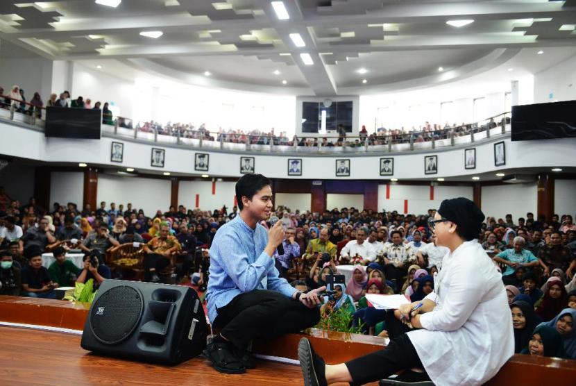 Menteri Luar Negeri (Menlu) Retno Marsudi berbicara di hadapan mahasiswa yang menghadiri acara Diplofest.