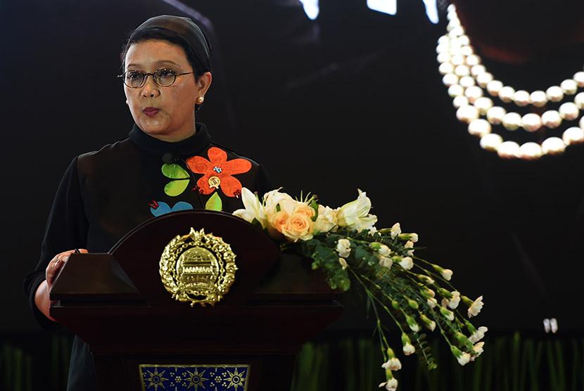 Menteri Luar Negeri Retno Marsudi menyampaikan pernyataan pers tahunan di Kementerian Luar Negeri, Jakarta, Kamis (7/1).