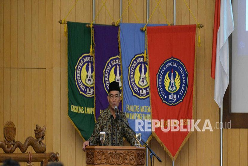Menteri Pendidikan dan Kebudayaan (Mendikbud), Muhadjir Effendy, di Universitas Negeri Yogyakarta (UNY), Sabtu (28/4).