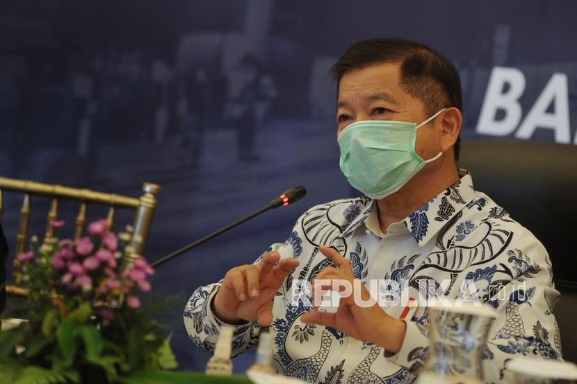 Menteri Perencanaan Pembangunan Nasional (PPN)/Kepala Bappenas Suharso Monoarfa mengatakan Indonesia keluar dari kelompok kelas pendapatan menengah atas akibat pandemi Covid-19.