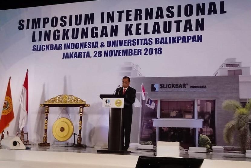 Menteri Perhubungan Budi Karya Sumadi dalam Simposium Internasional Penanggulangan Tumpahan Minyak di Fairmont Hotel, Jakarta, Rabu (28/11).