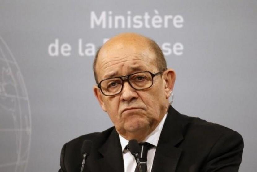 Menteri Pertahanan Prancis Jean-Yves Le Drian