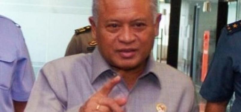 Menteri Pertahanan Purnomo Yusgiantoro