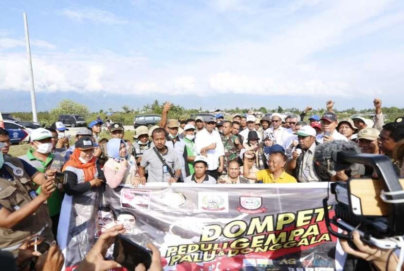 Menteri Pertanian Amran Sulaiman memantau distribusi bantuan untuk korban gempa di Sulawesi Tengah