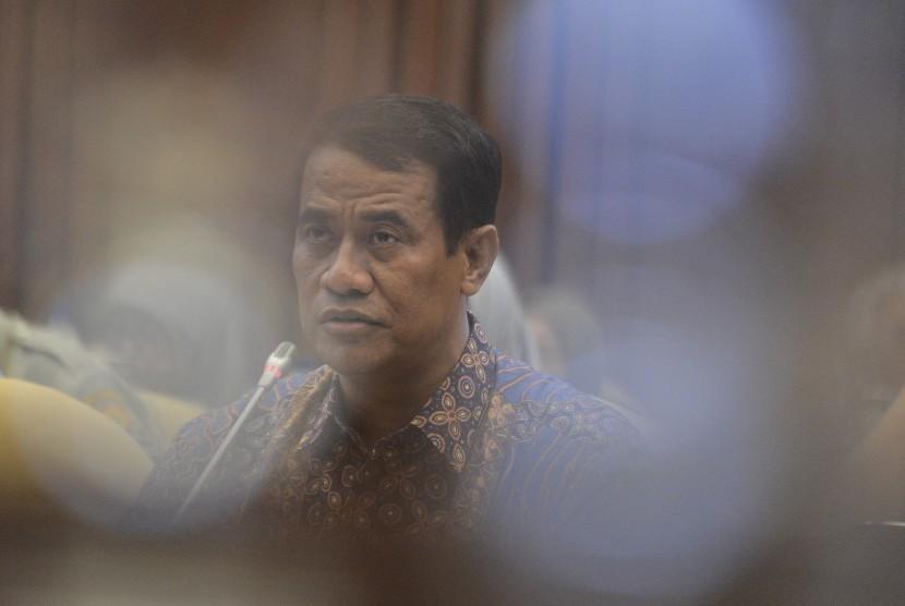 Menteri Pertanian Amran Sulaiman menyampaikan keterangan saat rapat kerja dengan Komisi IV DPR RI di gedung DPR RI Jakarta, Senin (17/6/2019).