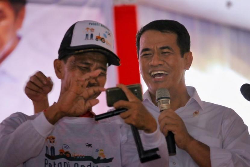 Menteri Pertanian Andi Amran Sulaiman saat berada di Cirebon, Jawa Barat, Kamis (28/3).