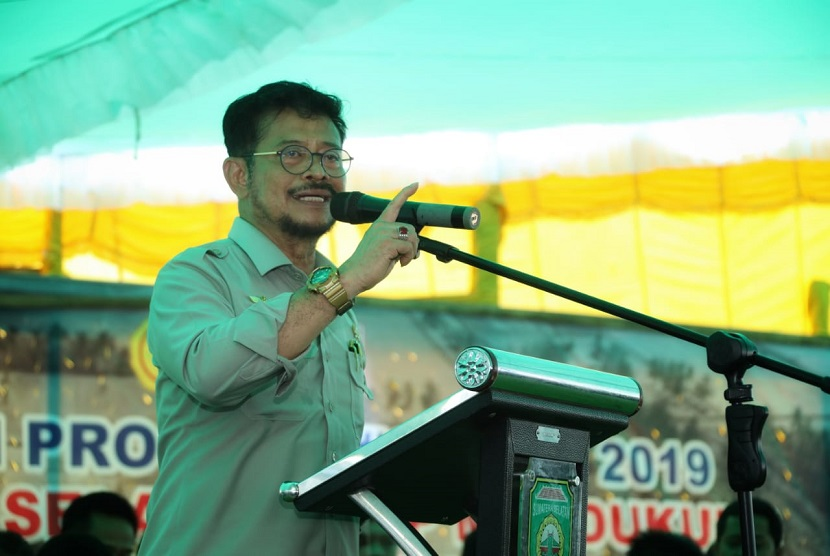Menteri Pertanian (Mentan) Syahrul Yasin Limpo meminta para petani dan penyuluh di Desa Karang Baru, Banyuasin, Sumatera Selatan terus meningkatkan kualitas produksi beras