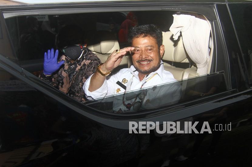 Menteri Pertanian Syahrul Yasin Limpo (kanan)