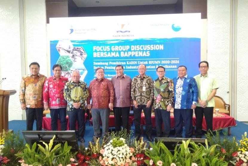 Menteri PPN/Kepala Bappenas, Prof  Bambang S Brojonegoro bersama para panelis FGD Penyusunan RPJMN 2020 - 2024 Sektor Kelautan dan Perikanan.
