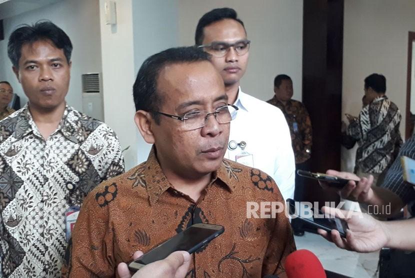 Menteri Sekreteris Negara Pratikno memberikan keterangan pers terkait usulan Plt Gubernur dari Kememdagri, di kantornya, Senim (29/1).