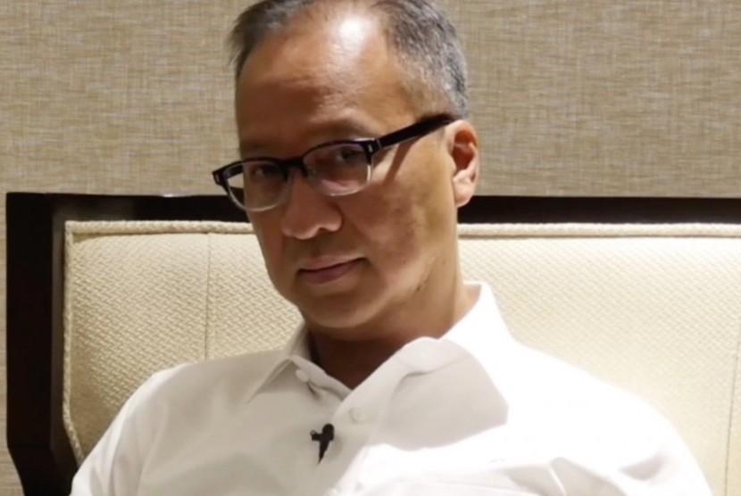 Menteri Sosial, Agus Gumiwang Kartasasmita