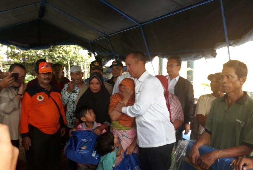 Menteri Sosial Agus Gumiwang Kartasasmita mengunjungi lokasi terdampak gempa di Desa Pesanggrahan, Kecamatan Montong Gading, Kabupaten Lombok Timur, NTB, Senin (18/3).
