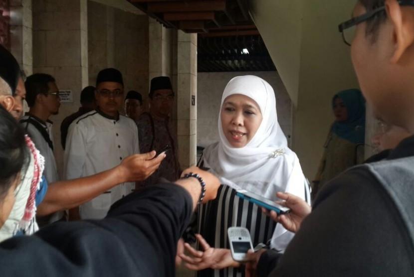 Menteri Sosial Khofifah Indar Parawansa saat menghadiri acara Dzikir Nasional Republika 2016 di Masjid At-Tin, Jakarta, Sabtu (31/12)