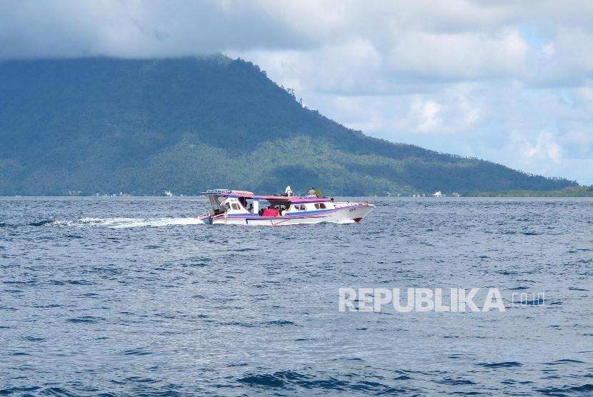 Menuju kawasan Bunaken, Kota Manado, Provinsi Sulawesi Utara.