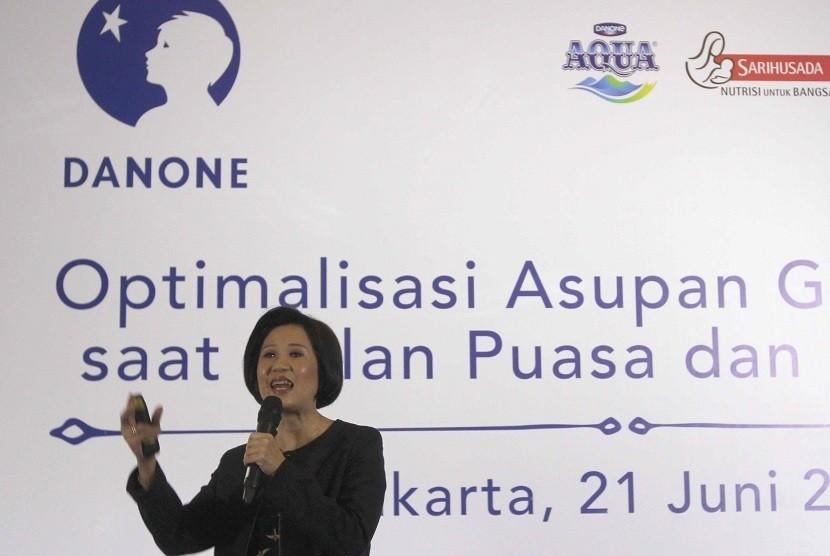 """Menurut dr. Inge Permadhi dalam acara Buka Puasa Bersama Danone Indonesia dengan tema """"Optimalisasi Asupan Gizi dan Air saat Bulan Puasa dan Hari Raya"""", pola makan yang berubah pada saat berpuasa dan hari raya mendorong tubuh kita melakukan penyesuaian. Ke"""
