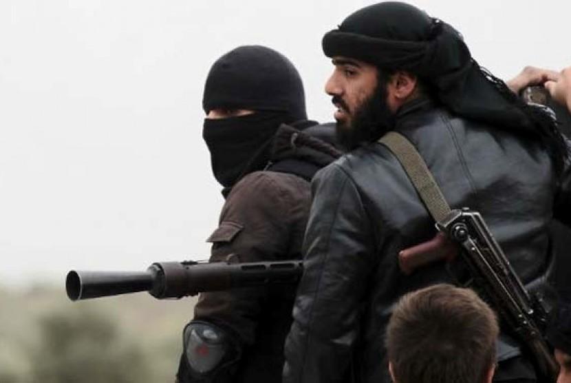 Militan Suriah di medan perang.