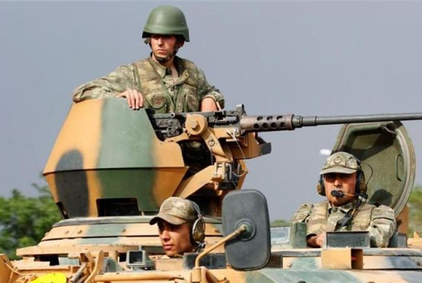 Militer Turki disiagakan untuk melawan pengikut Partai Pekerja Kurdi.