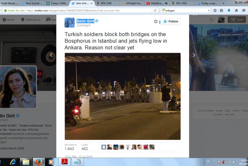Militer Turki melakukan kudeta untuk menggulingkan pemerintahan Erdogan.