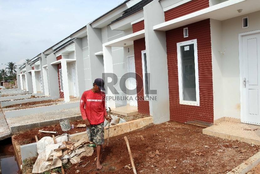 Salah satu cara untuk bisa memiliki rumah adalah lewat meminjam kredit ke bank.