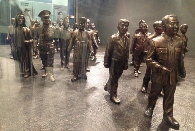 Miniatur sejumlah tokoh di Panggung Inohong, Jalan Kawaluyaan, Bandung, Jawa Barat