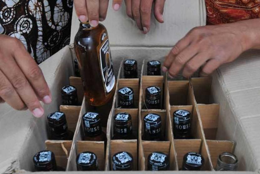 Minuman keras (ilustrasi)