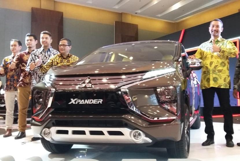 Mitsubishi menghadirkan warna baru, yaitu deep bronze metallic pada ajang Gaikindo Indonesia International Auto Show (GIIAS) Medan 2018.