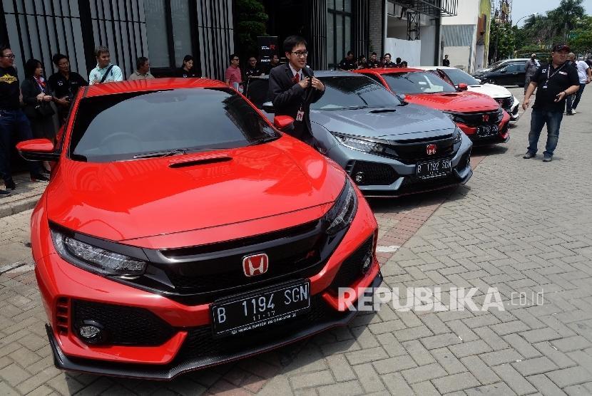 Honda Konsumen Civic Type R Gunakan Bbm Ron 95 Republika Online
