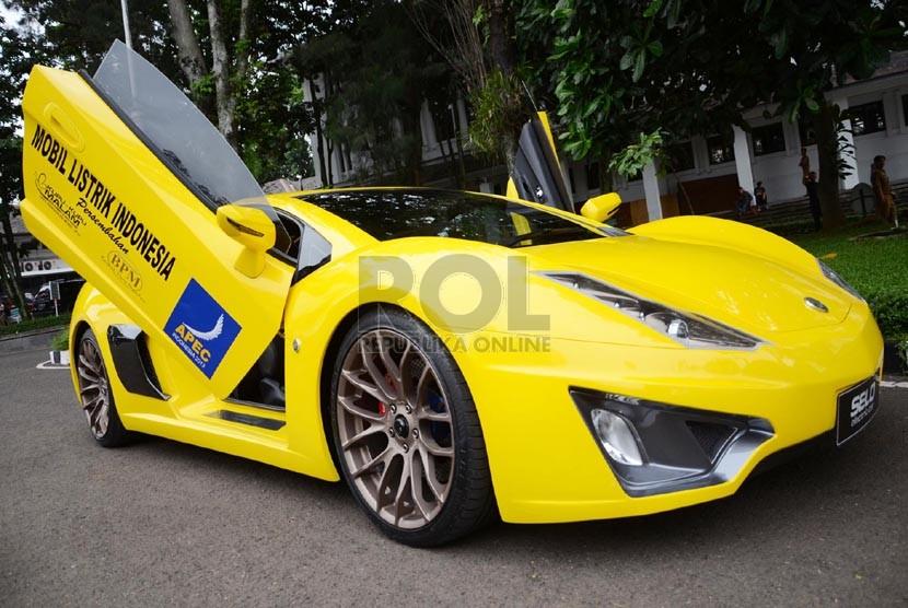 Mobil Listrik Selo Dan Ahmadi Diperkenalkan Di Surabaya Republika Online