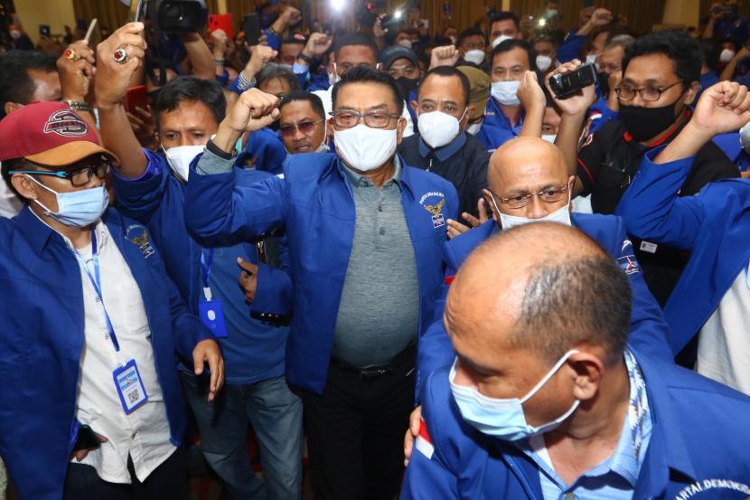 Kepala Staf Presiden (KSP) Jenderal (Purn) Moeldoko yang bukan kader ditunjuk sebagai ketum Demokrat versi KLB abal-abal di Deli Serdang, Sumut, Jumat (5/3).